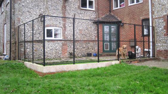 Dog Kennels Outdoor Dog Runs