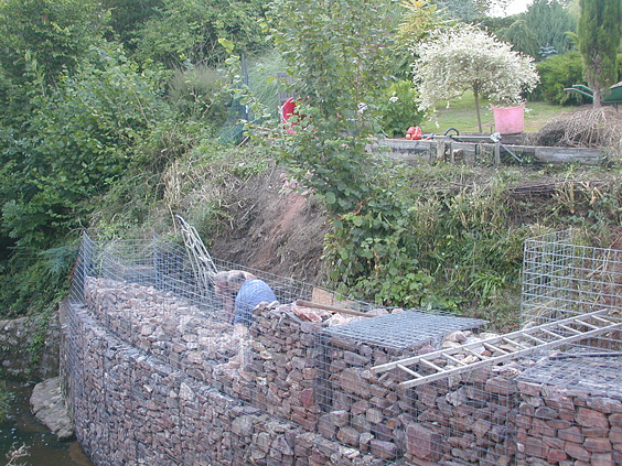 building a retaining wall with gabions