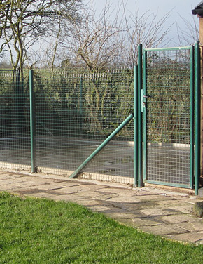 Metal Fence Posts Amp Systems Metal Posts Weld Mesh
